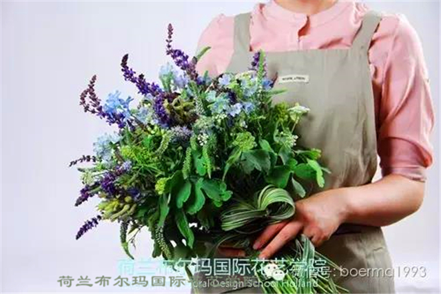 荷兰布尔玛国际花艺学院婚礼花艺班新娘手捧花学生作业花艺作品展示